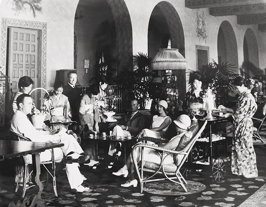 Royal Hawaiian Hotel early 1920s